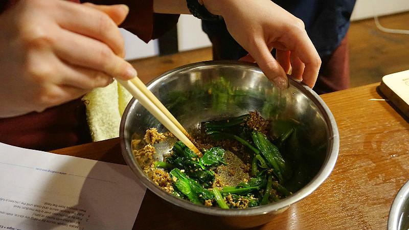 日式麻醬拌菠菜