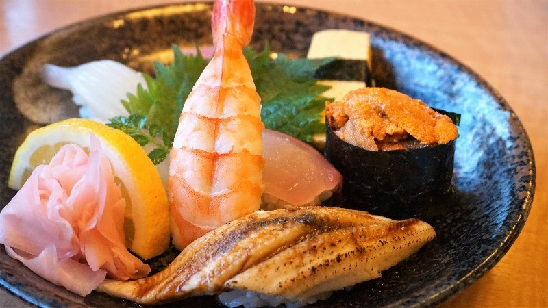 luxurious sushi dishes