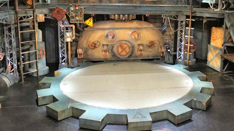 齒輪型的旋轉舞台。