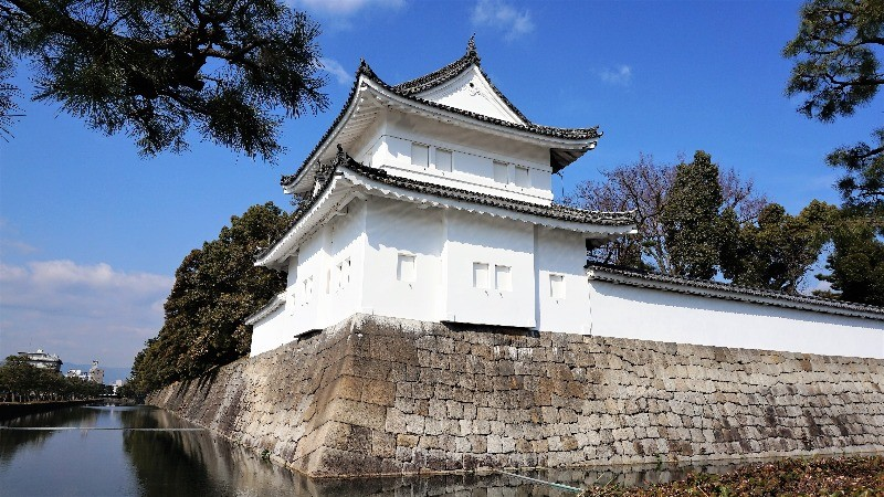 2:30 pm Head from Keage Station to the World Heritage Site of Nijo Castle!