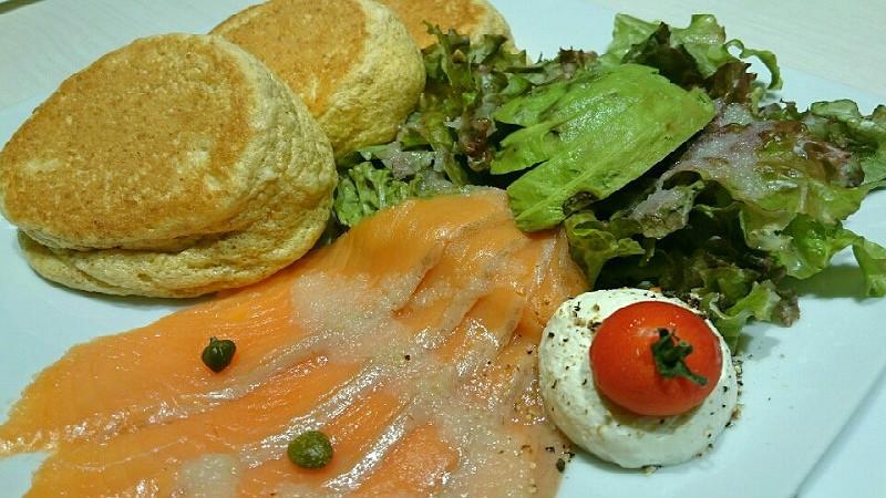 鮭魚和酪梨