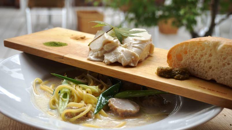 豆腐和義大利麵套餐