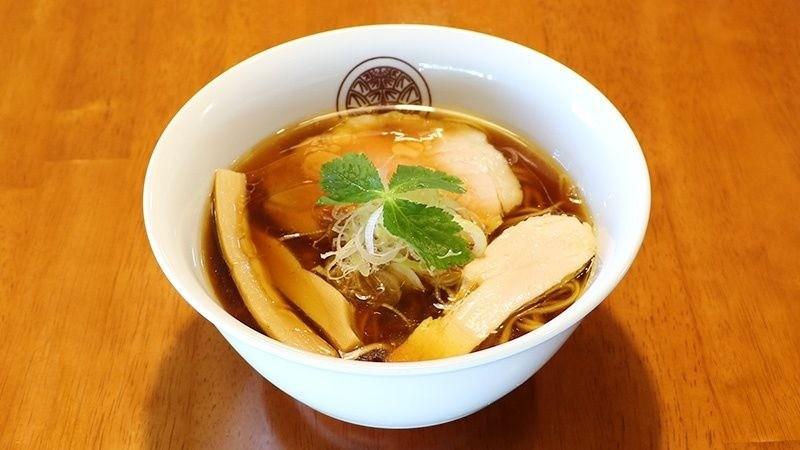 雞醬油的湯頭非常清澈爽口