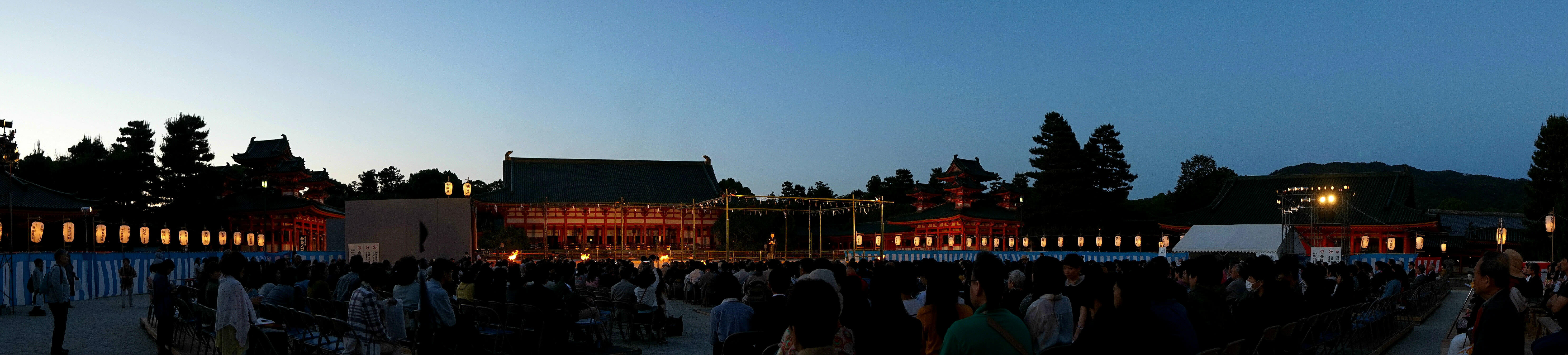 the whole view of Kyoto Takigi-noh venue