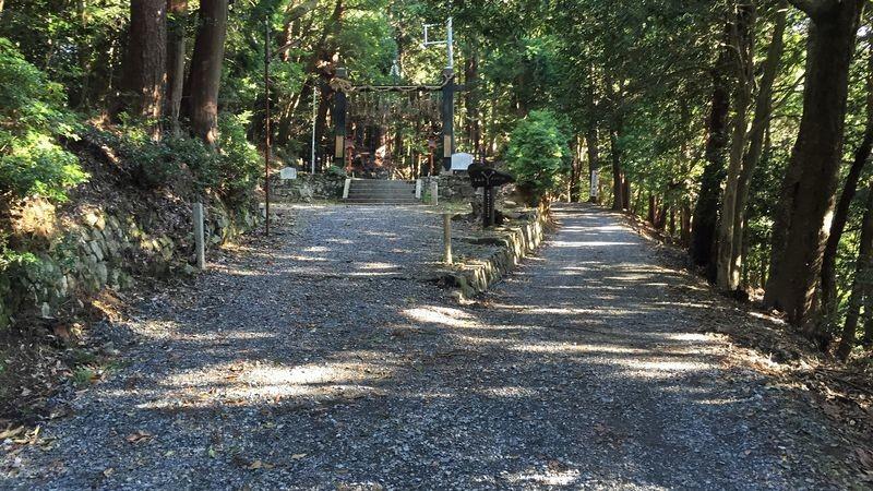 就抵達本山寺了