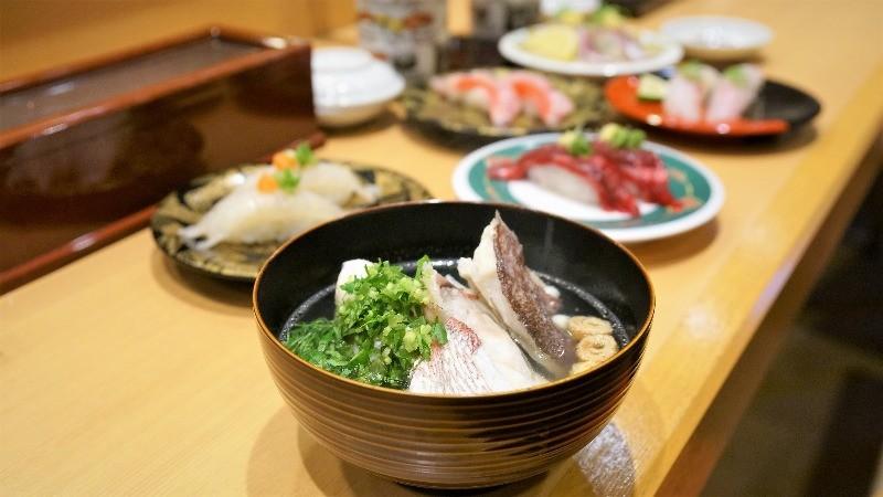 一般搭配壽司的湯品大多是味增湯